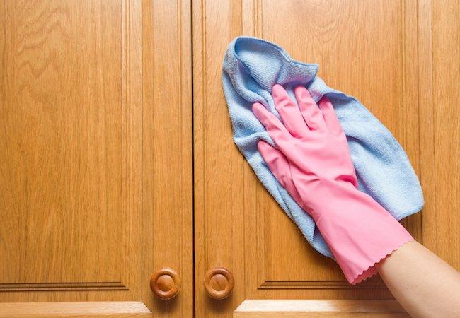 почистване на шкафове